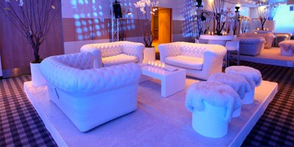 Chesterfield Inflatable Sofa Set Indoors